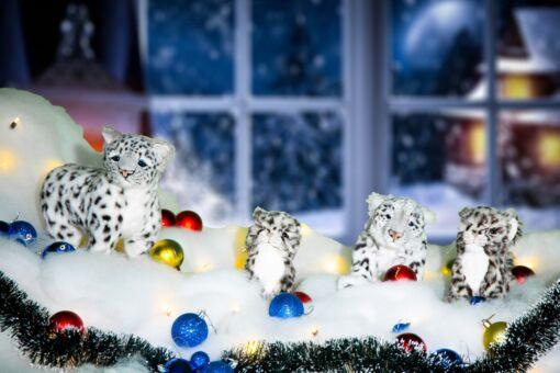 Mooie 4 sneeuwpanters inclusief kerstsneeuw, kerstballen, besneeuwde kerstslinger en kerstverlichting 202101 kopen
