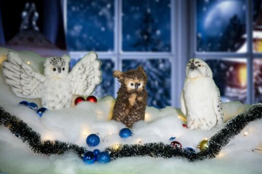 Mooie 2 Uilen en 1 sneeuwvalk inclusief kerstsneeuw, kerstballen, besneeuwde kerstslinger en kerstverlichting 202104 kopen