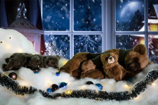 Mooie Berenfamilie inclusief sneeuw, kerstballen, besneeuwde kerstslinger en kerstverlichting 202109 kopen