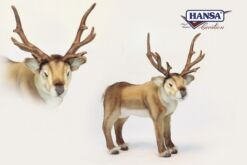 Mooie 1 volwassen rendier met 3 kleinere rendieren, incl kerstsneeuw, - ballen, besneeuwde kerstslinger en kerstverlichting. 202113 lxbxh = xxcm kopen